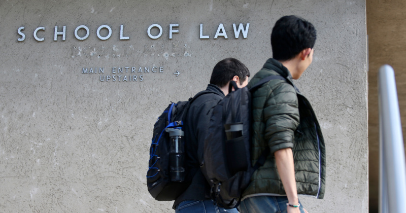 University Offering Free Online Legal Consultations For Illegals