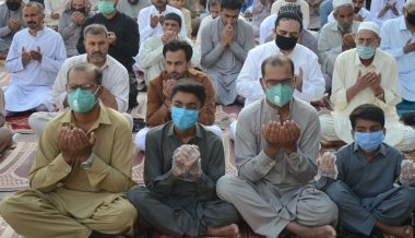 Muslim World Largely Ignores Social Distancing Rules During Eid Celebrations