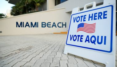 Clinton-Appointed Judge Paves Way For Felons to Vote in Florida