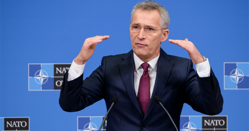 NATO Chief Urges Germany to Keep US Nukes