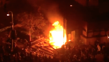 Minneapolis Rioters Set Police Precinct On Fire, Cops Attacked While Fleeing; Trump Sends National Guard