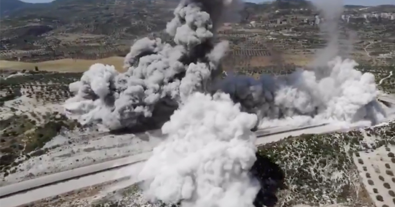 Alleged Footage of Roadside Bomb Blast in Syria Emerges Online