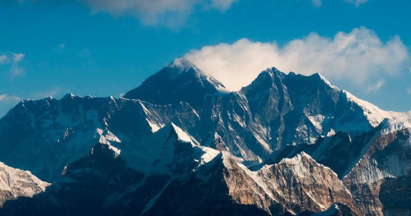 Chinese Telecoms Build 5G Base Stations On Mt. Everest