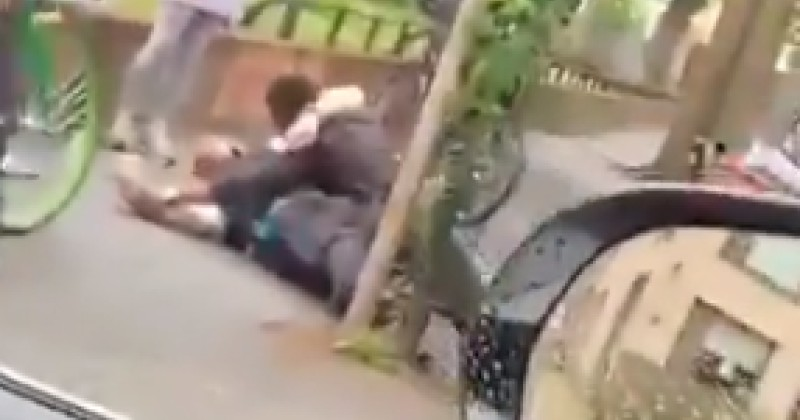 London: White Police Officer Attacked Stone's Throw Away From George Floyd 'Take a Knee' Event