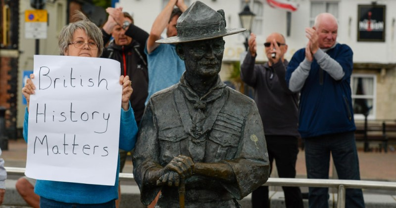 Contractors Refuse to Remove Statue of Scout Founder After Locals Rally to Protect It
