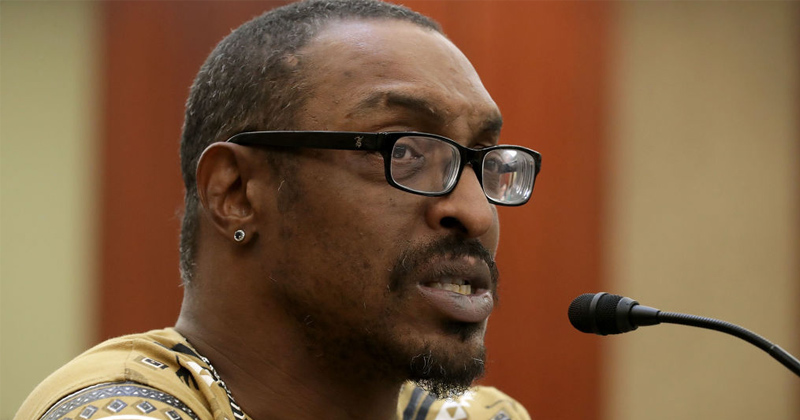 """Muhammad Ali Jr. Says Father Would Vote Trump & Hate """"Racist"""" BLM"""