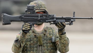 """Unmatched Performance"" - German Army Test-Fires New Light Machine Gun"