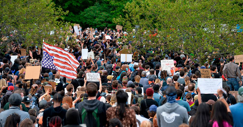 Protesters Showed Up In Coeur d'Alene, Idaho But The Locals Made Sure That There Would Be No Riots…