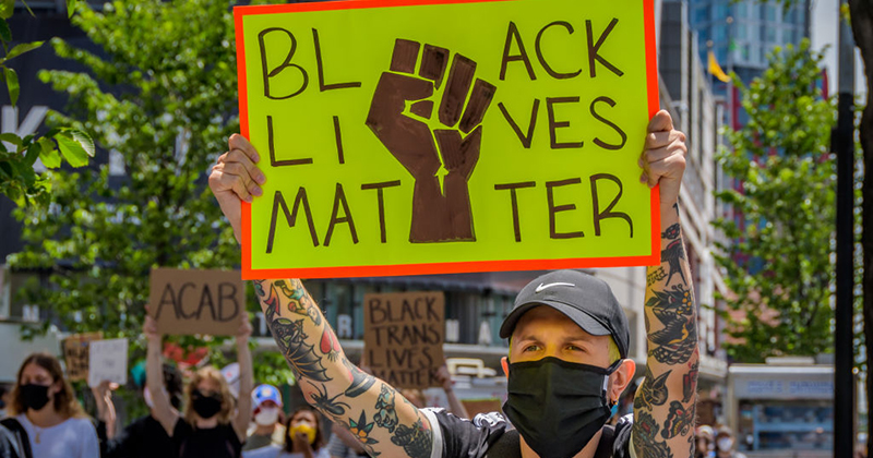 Black Lives Matter Chapter Co-Founder Demands White People Give Up Their Homes