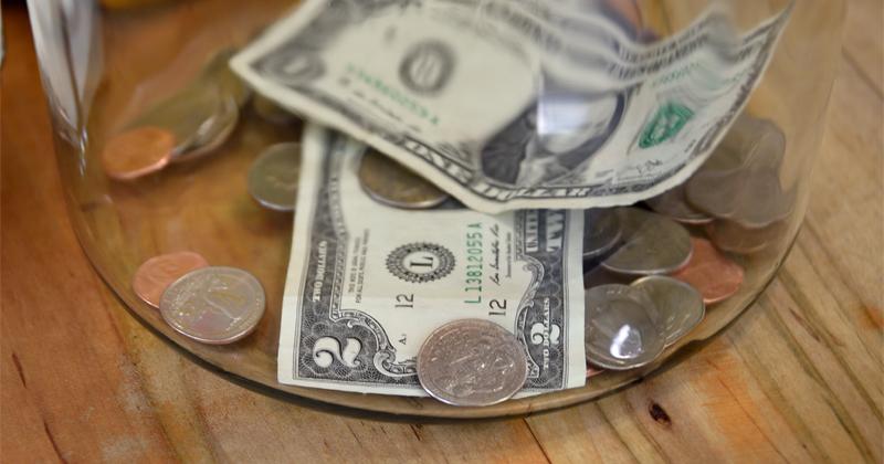 Fed Begins Rationing Coins as Americans Horde Cash