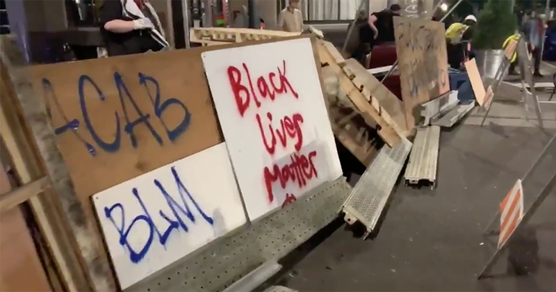 Portland protesters barricade streets and declare new 'autonomous zone' outside mayor's residence (VIDEOS)