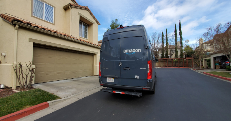 "Amazon Orders Delivery Drivers to ""Turn Back"" Amid Riots"