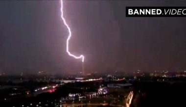 VIDEO: Lightning Strikes The Washington Monument