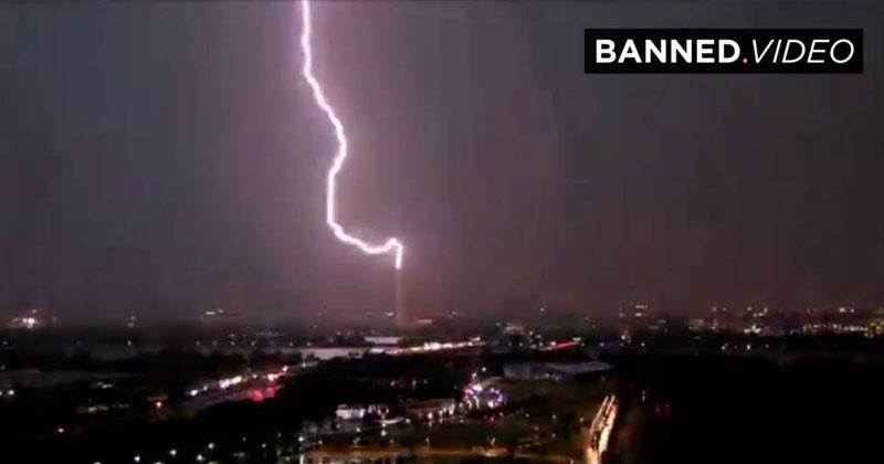 VIDEO: Lightning Strikes The Washington Monument