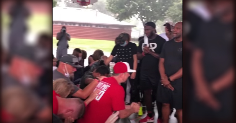 Watch: White People Kneel, Ask For Forgiveness for Whiteness
