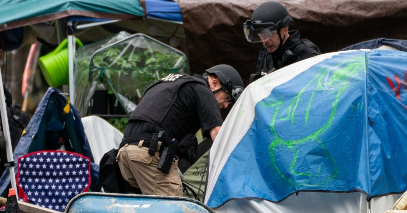 Seattle CHOP Zone Dismantled Day After Occupiers Threatened to Raid Mayor's Home