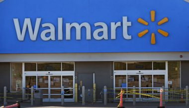 Coin Shortage Strikes Walmart, Customers Required To Pay With Card At Self-Checkout