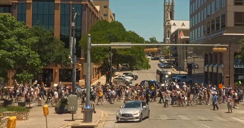 Highlights: Local BLM Commies Run Wild in Austin Texas