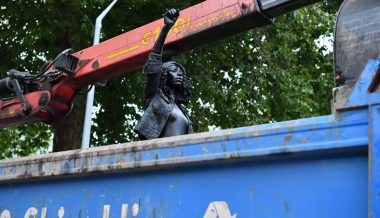 BLM protest statue that replaced slave trader Colston removed by Bristol council (PHOTOS, VIDEOS)