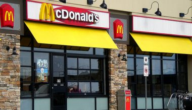 """McDonald's May """"Bring in Law Enforcement"""" If Diners Defy Mask Policy, CEO Says"""