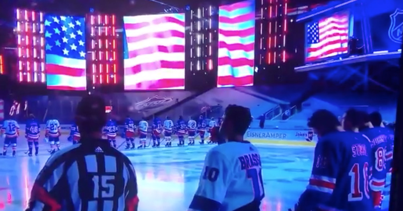 Watch: NHL Players ALL STAND During US National Anthem