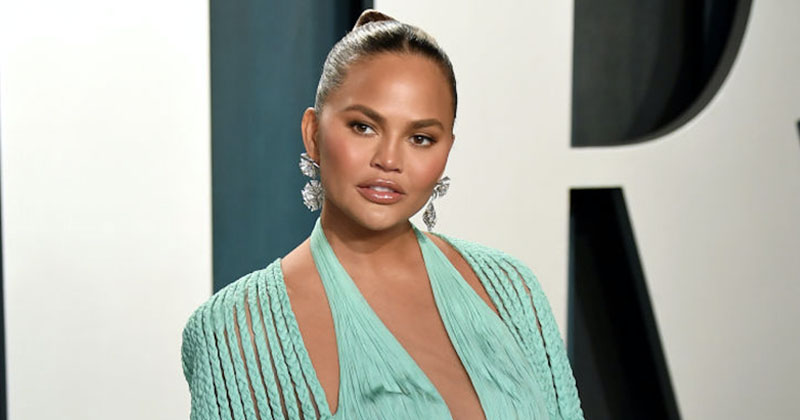 Pizza, Toddlers & Pedophiles: Chrissy Teigen Deletes 60K Bizarre Tweets Over Epstein Connection Allegations