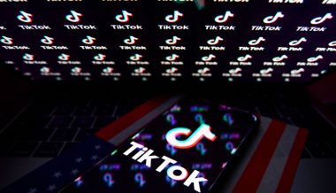 'National security threat'? Trump signs executive orders on TikTok & WeChat, bans transactions with Chinese owners in 45 days