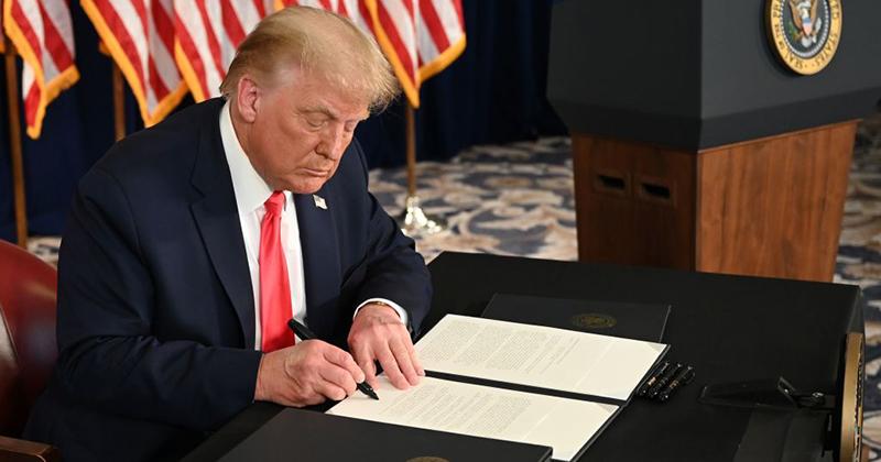 Trump Signs Executive Orders On Coronavirus Relief, Payroll Tax