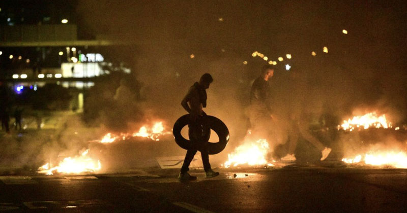Video: Violent Riots Erupt Sweden After Koran-Torching Stunt, Police Say They Have 'No Control' Over Situation