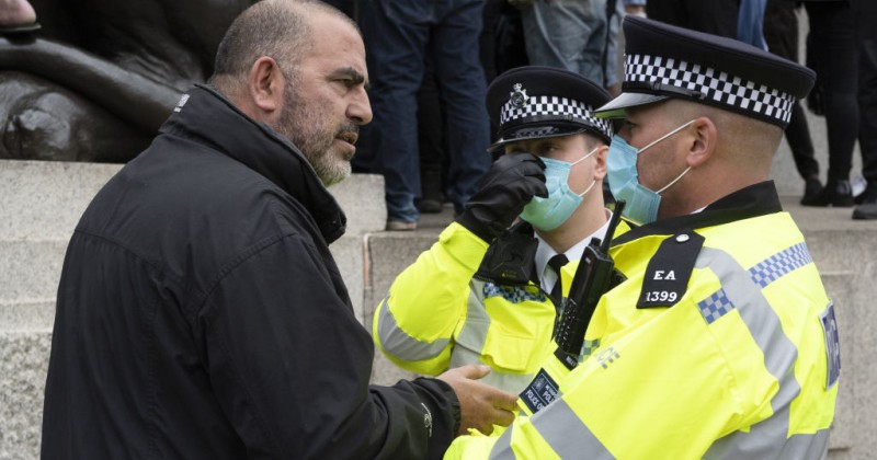 Corona 'Marshals' to Patrol UK Cities to Enforce Social Distancing