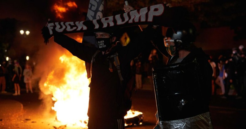 """Former CIA Officer: """"Violence Will Explode"""" if Trump Wins Re-Election"""