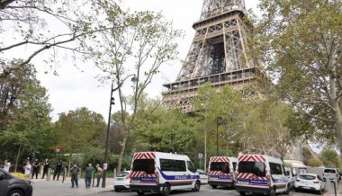 "Eiffel Tower Evacuated After Bomb Threat From Man Shouting ""Allahu Akbar"""