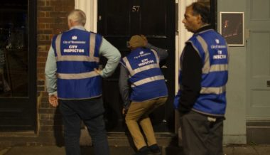 Pub Stasi: UK Rent-a-Mob Patrol Streets to Check if Bars Are Open