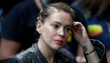 """Defund Police"" Activist Alyssa Milano Calls Cops To Report Armed Gunman – Turns Out to Be Teen Shooting Squirrels With Airsoft Gun"